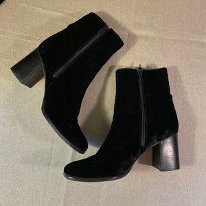 Wow! Vintage Nine West Black Velvet Boots Sz 6.5